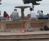 turisti-fontana (2)