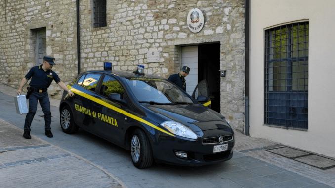 Maxisequestro a Assisi, cooperativa non versa ritenute da busta paga