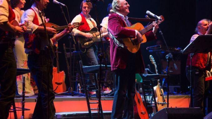 Tourné, Renzo Arbore e l'Orchestra Italiana in concerto al Teatro Lyrick di Assisi