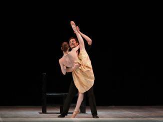 """Al Teatro Lyrick di Assisi va in scena la danzacon""""La vie en rose… Boléro"""""""