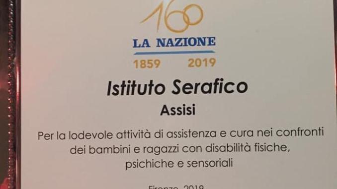 La Nazione ha premiato l'istituto Serafico di Assisi, dalla direttrice Pini