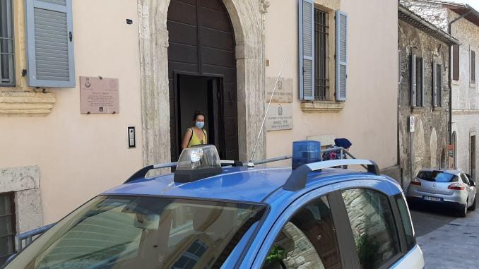 Due stranieri occupano abusivamente uno stabile, denunce ed espulsione