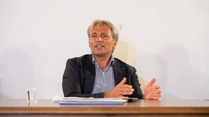 Cosimetti, su ex Tacconi, politica non può speculare sulla salute