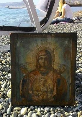 I Delfini ci riportano l'icona della Madonna del Segno e…