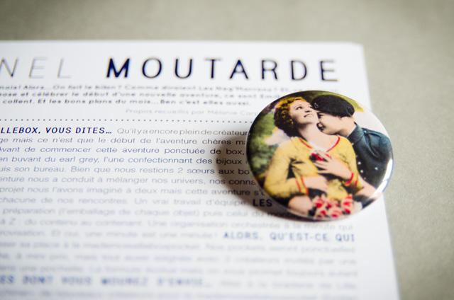 Le badge Assuna de la Mademoisellebox #10 Colonel Moutarde