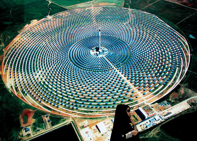 محطة شمس -1 ، أكبر محطة طاقة شمسية مركزة في العالم