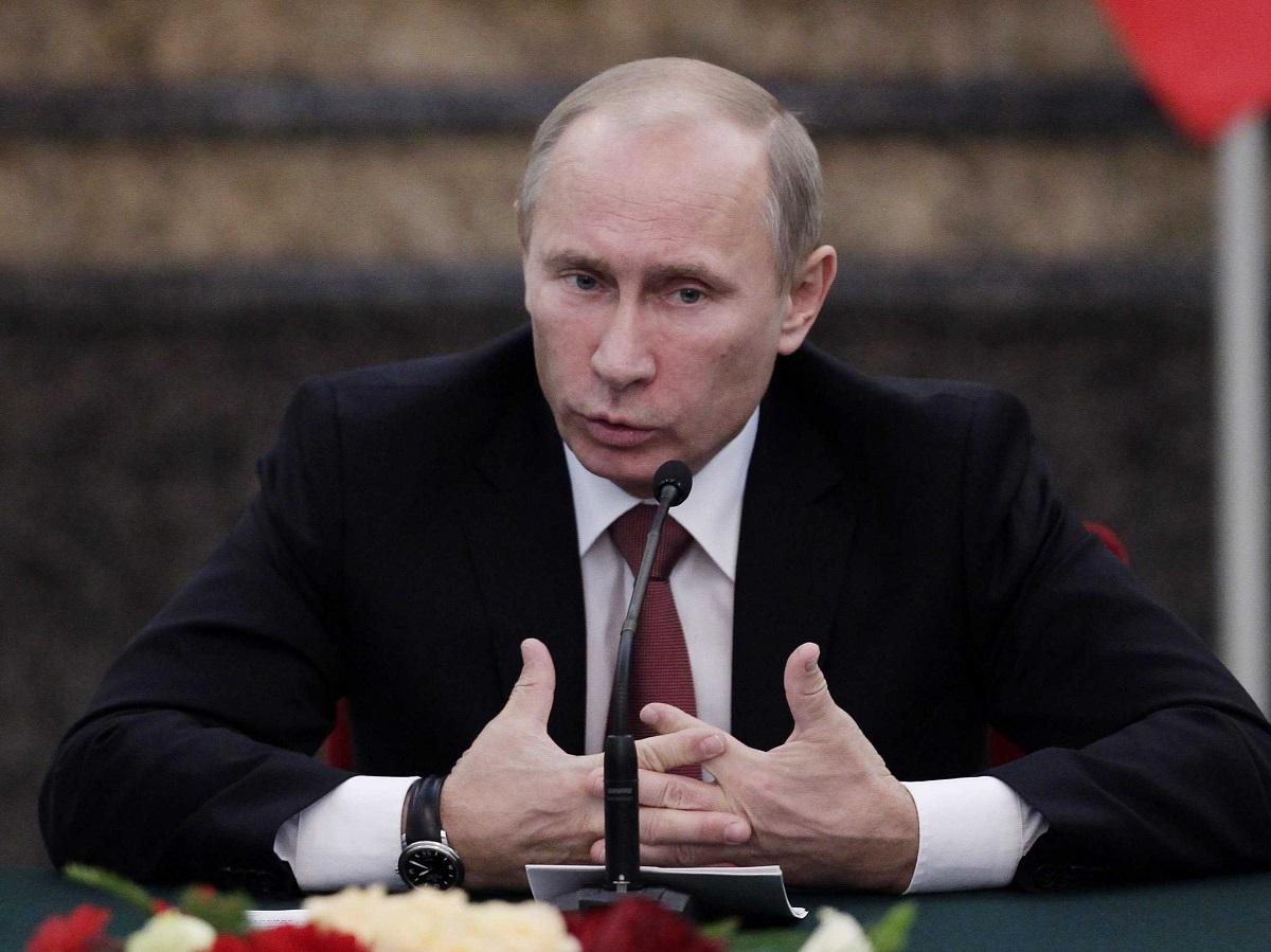 فلاديمير بوتين: هل إنخفاض أسعار النفط موجه ضده؟