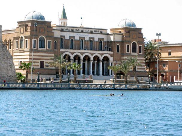 هل يمكن للبنك المركزي الليبي الصمود في بلد مفكَّك؟