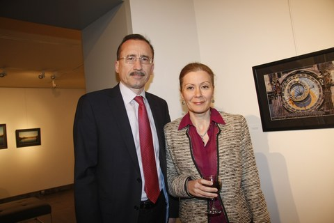 سفير رومانيا فيكتور ميرسيا وقرينته