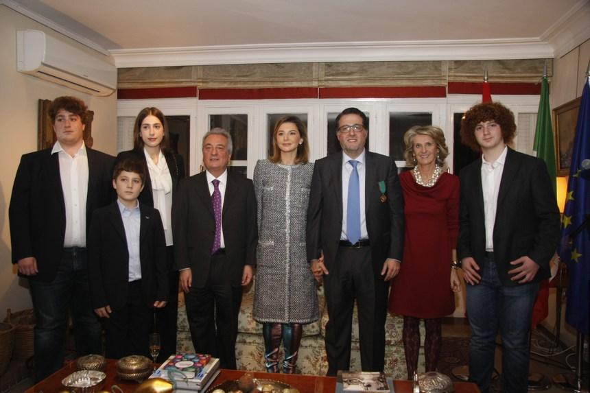 السفير محمد شقير وعائلته