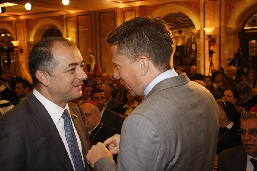 سفير بريطانيا طوم فليتشر والوزير الياس بو صعب