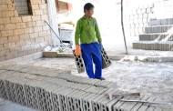 50% من اللاجئين السوريين يعملون في لبنان ولا مَن يراعي القوانين