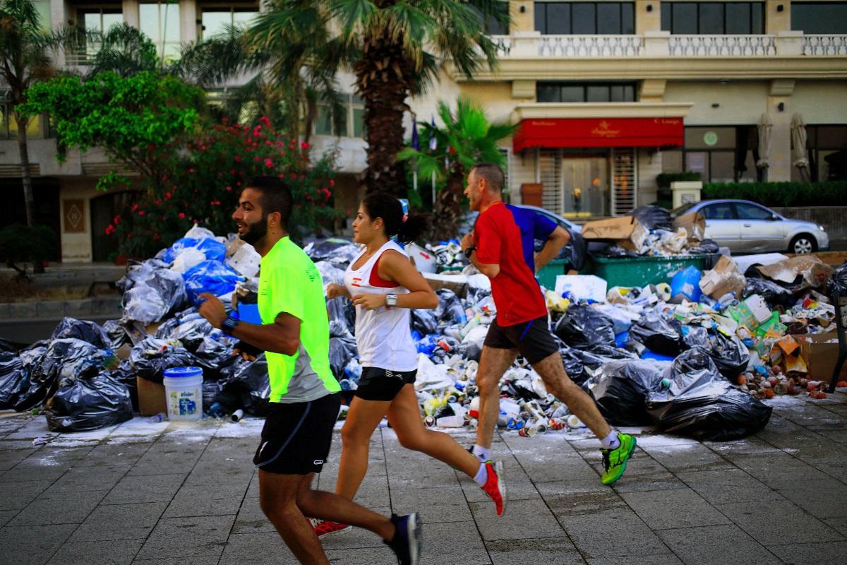 وراء أكمة النفايات في لبنان أفواهٌ لا تشبع