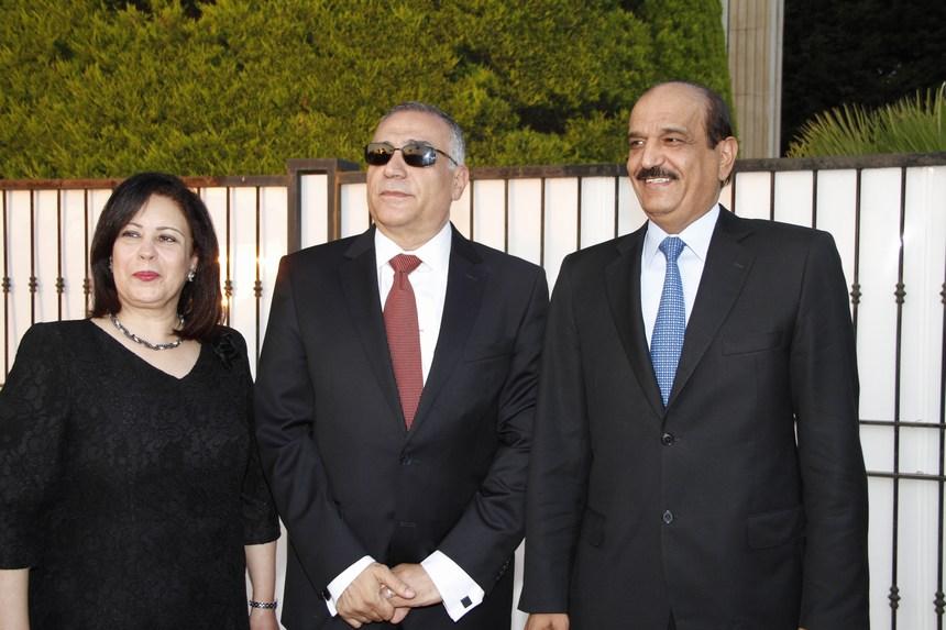 سفير قطر علي بن حمد المري مع سفير مصر محمد بدر الدين زايد وعقيلته