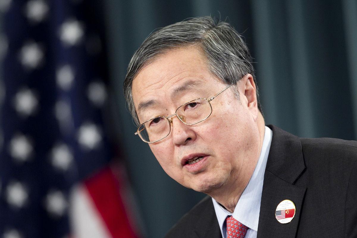 محافظ بنك الشعب الصيني تشو شياو تشوان: حان الوقت لعولمة اليوان