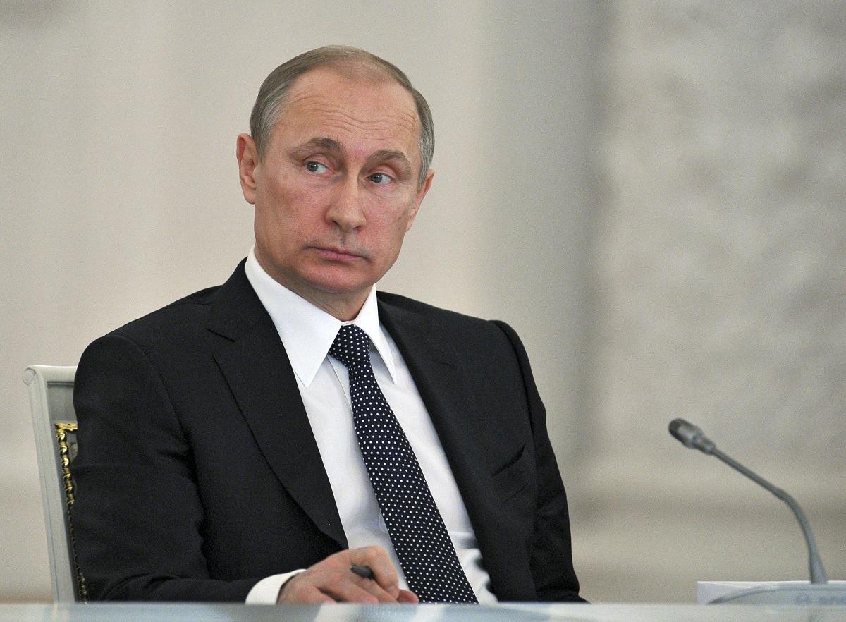 الرئيس الروسي فلاديمير بوتين: بارك خط الأنابيب الإيراني