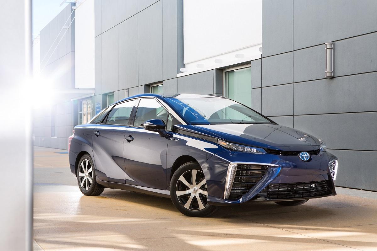 سيارة تسير بخلايا وقود الهيدروجين