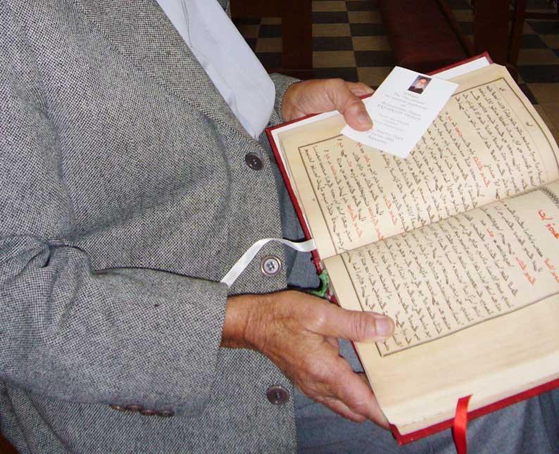 الموارنة في قبرص ما زالوا يقرأون صلواتهم بالسريانية