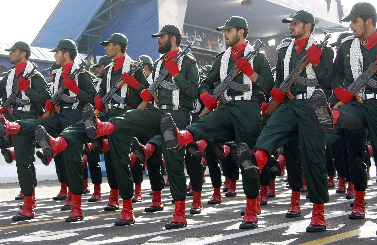 إيران: كيف يُعَرقِل الحرس الثوري السياسة الخارجية للإنفتاح على العالم
