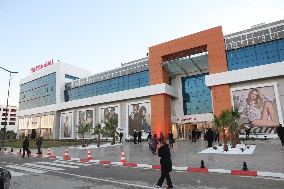 تونس تفتح الباب تدريجاً أمام تراخيص