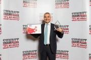 جائزة رائد خدمات الإتصالات لرئيس مجلس إدارة شركة ألفا