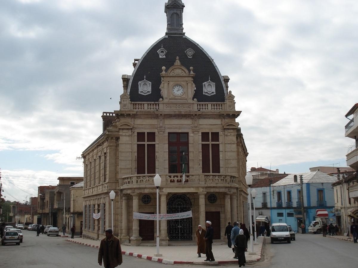 الجزائر: التنويع الإقتصادي هو الحلّ لزيادة مصادر الدخل الحكومي