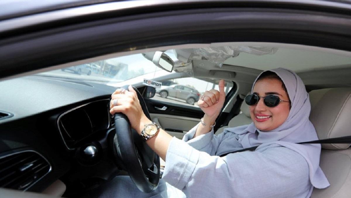 المرأة تقود نمو قطاع التأمين على السيارات في السعودية