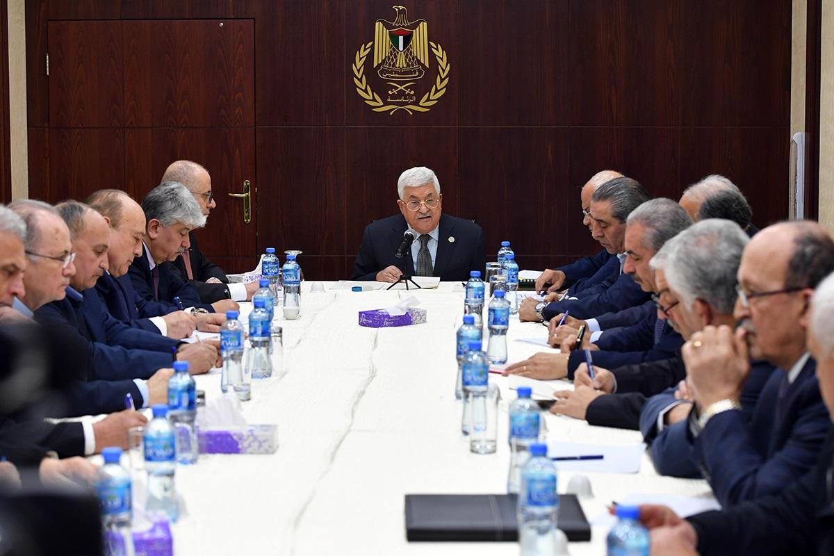 إتفاقات أوسلو ماتت، هل يجب أن تستمر السلطة الفلسطينية؟