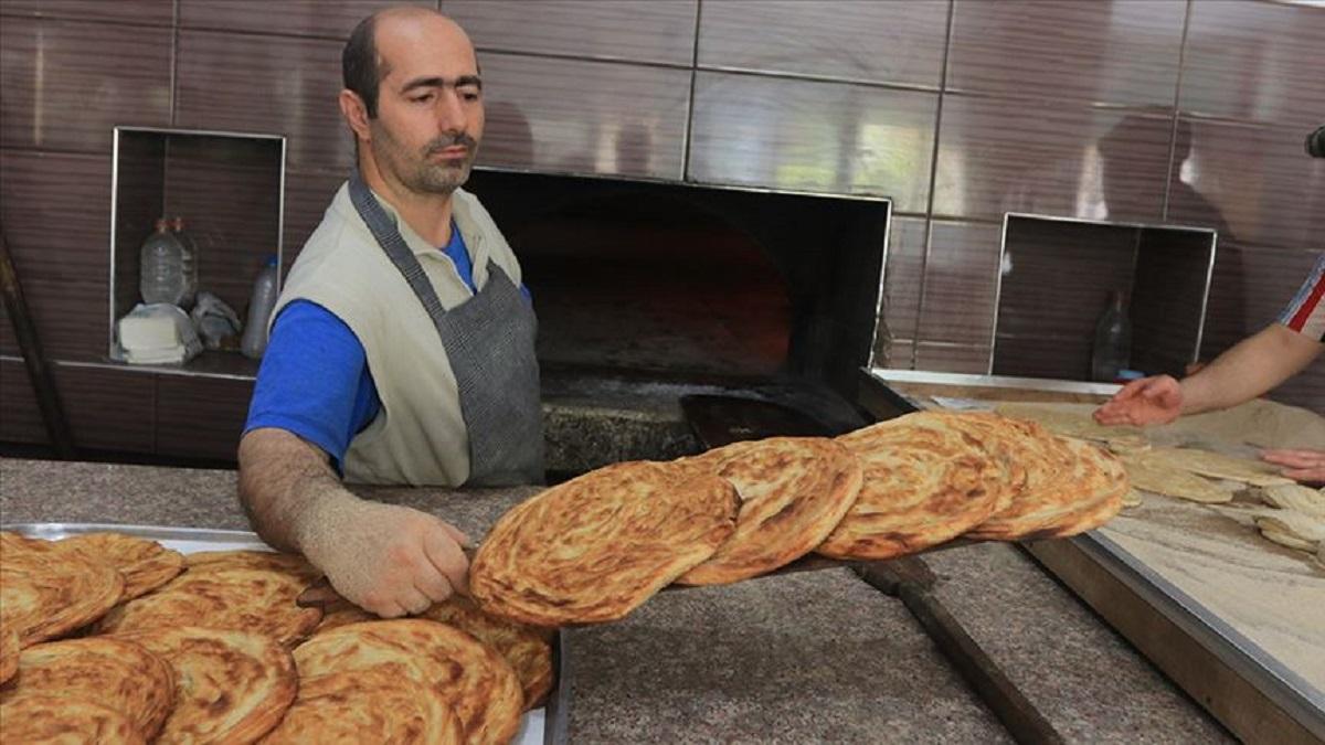 دولةٌ شوساء... حجْمُها 100 غرام خبز