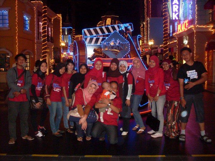AstaMedia Family in Trans Studio Theme Park