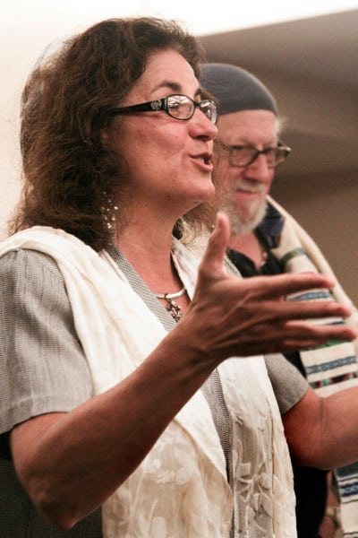 Rabbi Debra Kolodny | As the Spirit Moves Us. 2012 Simchat Torah - Rabbi Debra Teaching