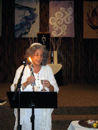Rabbi Debra Kolodny   As the Spirit Moves Us. Yom Kippor Havdallah