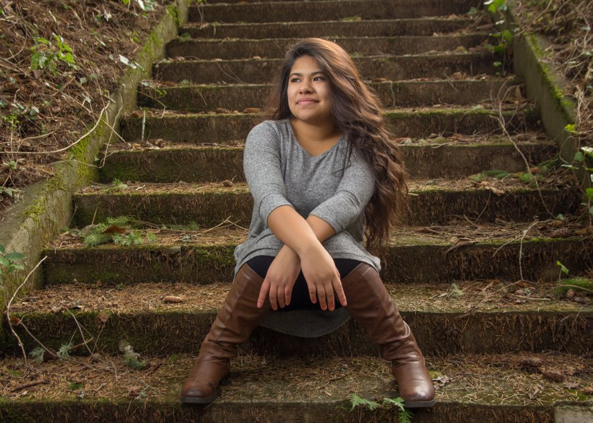Astoria Senior Photography - girl Shively Park stairs photo