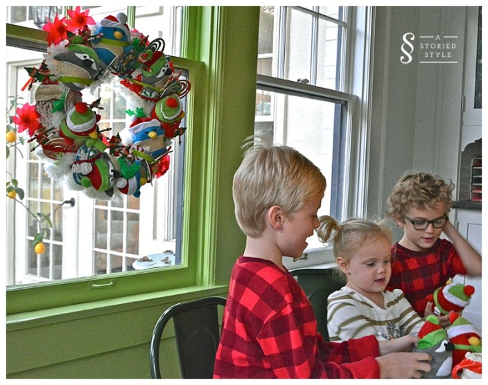 party favor wreath
