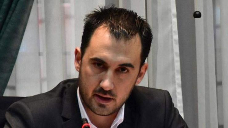 Χαρίτσης: Η κυβέρνηση ψηφίζει μνημονιακές διατάξεις μετά το τέλος των μνημονίων