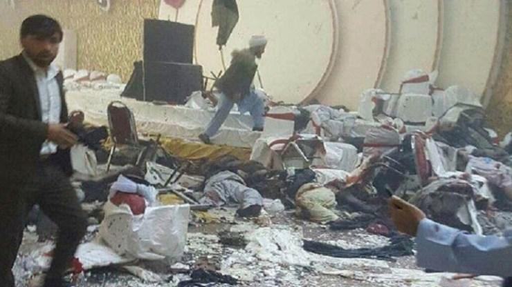 Αφγανιστάν: Τουλάχιστον 63 νεκροί και 182 τραυματίες από την έκρηξησε γάμο
