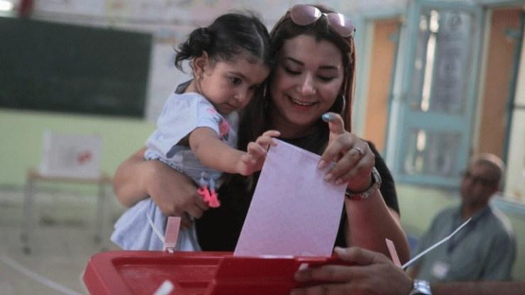 Εκλογές στην Τυνησία: Δύο «αντισυστημικοί» υποστηρίζουν ότι πέρασαν στον δεύτερο γύρο