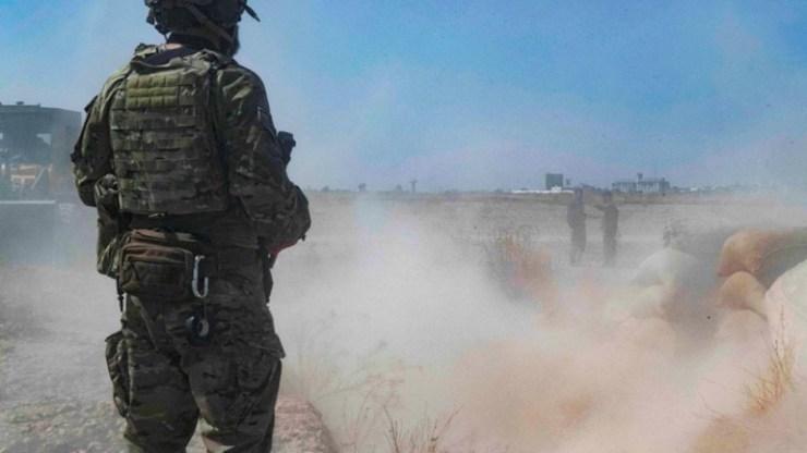Οι Αμερικανοί στρατιώτες κατέστρεψαν τη βάση τους στο Τελ Μπαϊντάρ πριν αποχωρήσουν