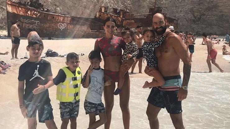 Ολυμπία Χοψονίδου: Πρωινή βόλτα με τα παιδιά της στον 7ο μήνα της εγκυμοσύνης της!