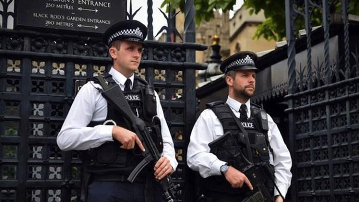 Μείωση του επιπέδου τρομοκρατικής απειλής στη Βρετανία από «σοβαρό» σε «σημαντικό»