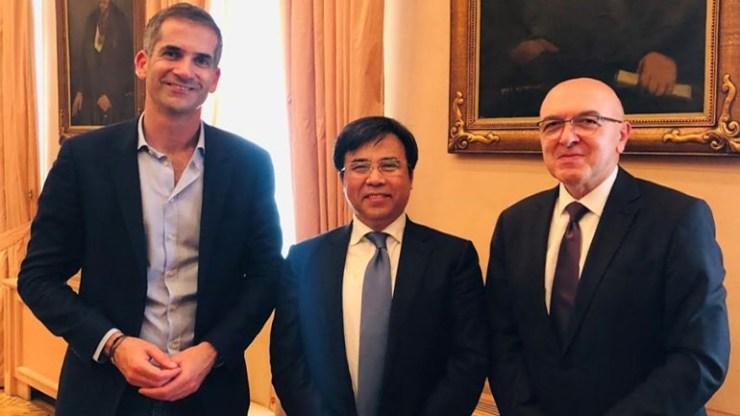 Συνάντηση του Δημάρχου Αθηναίων με τον πρόεδρο του τραπεζικού κολοσσού Bank of China