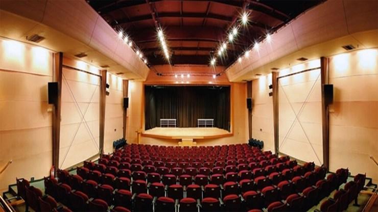Μουσικοθεατρική παράσταση κρατουμένων στο Δημοτικό Θέατρο Χαλκίδας