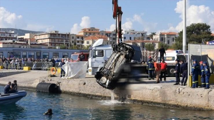 Βουτιά θανάτου από ΙΧ στο λιμάνι της Μυτιλήνης – Νεκρός ανασύρθηκε ο οδηγός