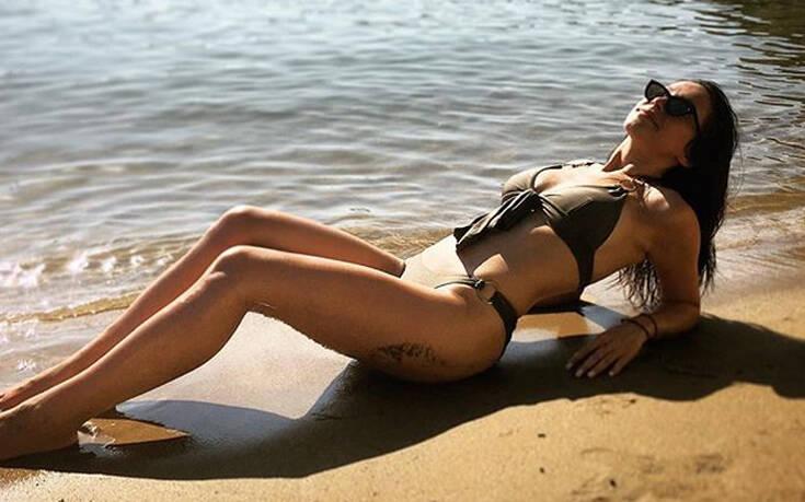 YFSF: Ποια είναι η Τάνια Μπρεάζου που έφερε τα πάνω κάτω στην πρεμιέρα του show μεταμφιέσεων