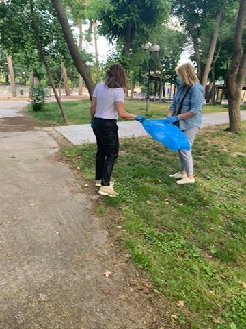 Καθάρισε το Πάρκο του Αλκαζάρ η Γραμματεία Ποιότητας Ζωής και Εθελοντισμού της Ν.Δ. (φωτο)