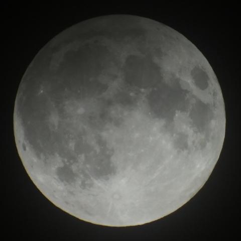 特集 2012年11月28日 半影月食 - 天體寫真ギャラリー