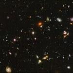 Cuando miras al cielo, ¿están muertas todas las estrellas?