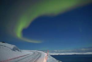 La Aurora Boreal sobre Sørøya en Finnmark, Norte de Noruega  Crédito: Bård Løken - Visitnorway.com