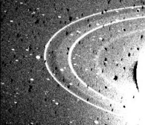 Imagen de los anillos de Neptuno tomada por la sonda Voyager 2. Crédito: NASA