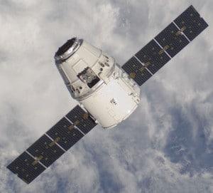 La cápsula Dragon, que podría ser utilizada durante la construcción del hotel espacial. Crédito: SpaceX